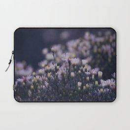 Dreamy daisies Laptop Sleeve