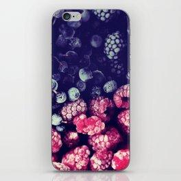 Frutti di bosco iPhone Skin