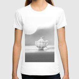 mini teapot T-shirt