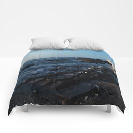 Sea Washes over the Rocks in Spring Comforters