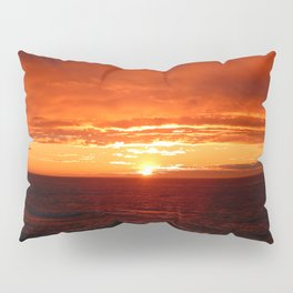 Sun Sets on the Mighty Saint-Lawrence Pillow Sham