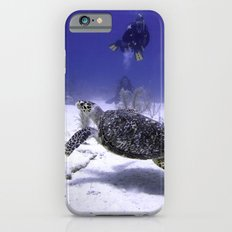 Divers Watching Hawksbill Turtle Slim Case iPhone 6