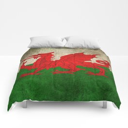 Old and Worn Distressed Vintage Flag of Wales Comforters