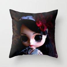 Blythe Winehouse Throw Pillow