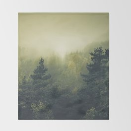 Forests never sleep Throw Blanket
