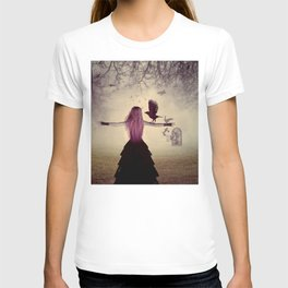 Dark foggy scene with witch woman with crows T-shirt
