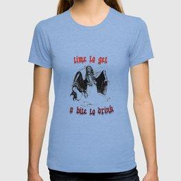 Vintage Vampire Skeleton Halloween Illustration  T-shirt
