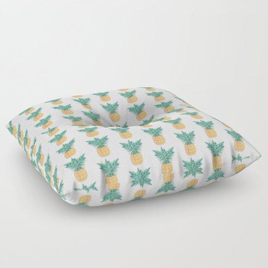 Retro Pineaple by arrpdesign