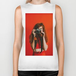 photographer in red Biker Tank