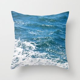 Ocean Wave Heading Toward Shore Throw Pillow