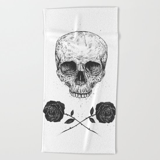 Skull N' Roses Beach Towel