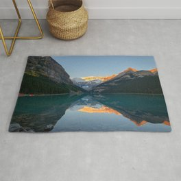 LAKE LOUISE SUNRISE REFLECTION BANFF NATIONAL PARK CANADA LANDSCAPE Rug
