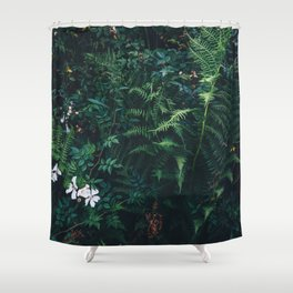 Fleurs Vertes Shower Curtain