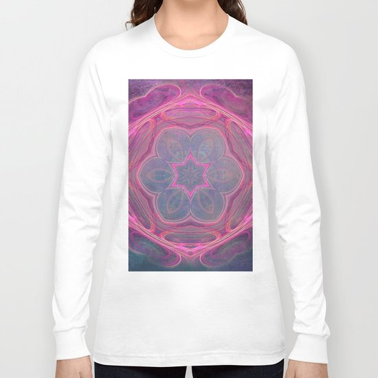 whimsical fractal love in pink Long Sleeve T-shirt