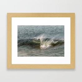 Wave at Bearskinneck Framed Art Print