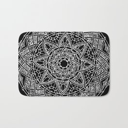 Family: forever intertwined (black) Bath Mat