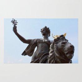Queen Victoria Memorial Statue, London, England Rug
