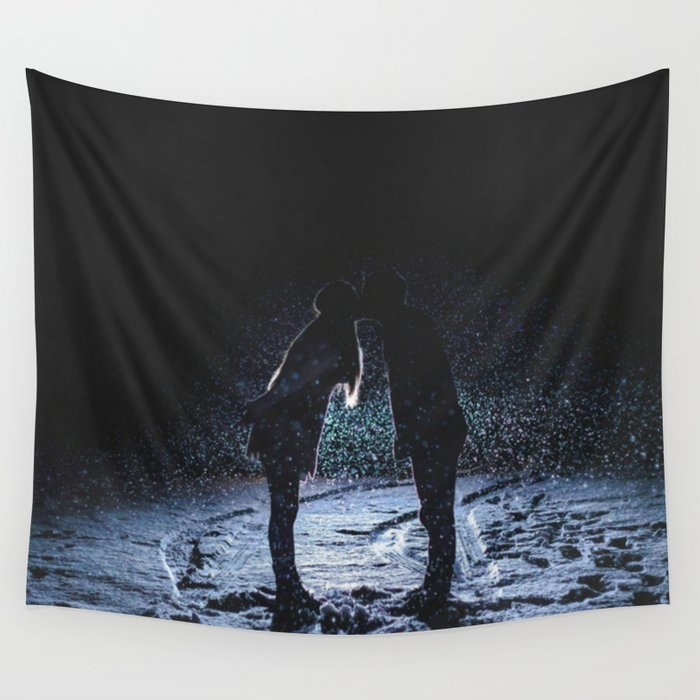 Valentine's Day Love Kiss ( Couple Valentine Gift / Girlfriend Gifts ) Wall Tapestry