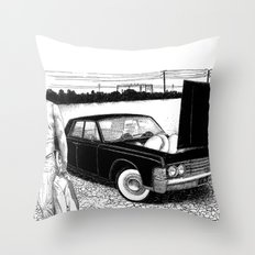 asc 637 - Les jumelles trépidantes (The V2 engine) Throw Pillow