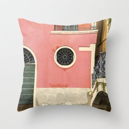 To the calle Throw Pillow