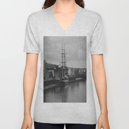 Famine Ship Dunbrody Unisex V-Neck