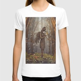 Raven in forest T-shirt
