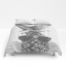 Party Pineapple in Black and White Comforters