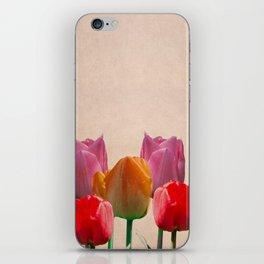 Tulipanes iPhone Skin
