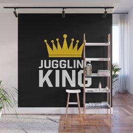 Juggling king Wall Mural