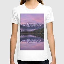Lake Matheson morning sunrise mountain lake forest mountain landscape Southern Alps New Zealand T-shirt