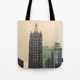Carbide and Carbon Building Chicago Tote Bag
