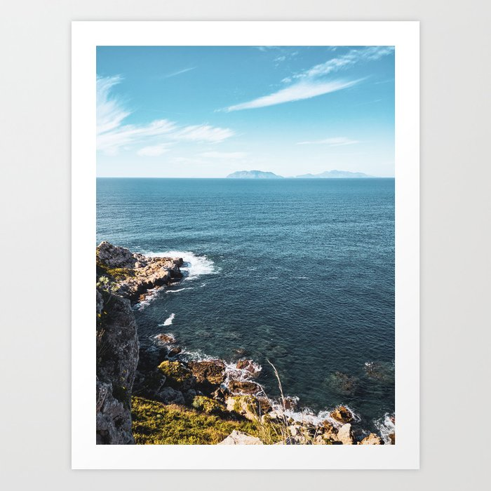 sea wall art, sea phone case, coastal living decor,beach style  furniture,coastal living room ideas, Art Print by fabioscrima