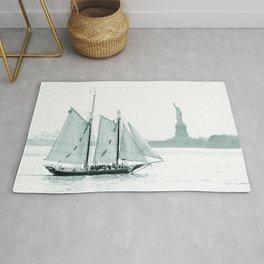 Statue of Liberty with Schooner Rug