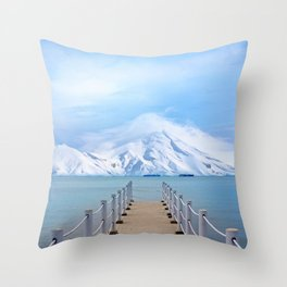Meet me in the middle Throw Pillow