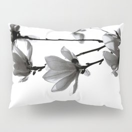 BLACK MAGNOLIA Pillow Sham
