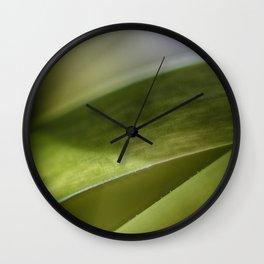 Schrägstrich Wall Clock