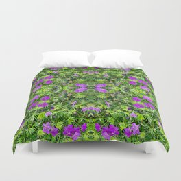 "TRUE SPECIE HARDY GERANIUM ""TINY MONSTER"" Duvet Cover"
