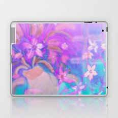 Mom The Kitty Just knocked Over Your Flowers! Laptop & iPad Skin