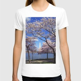 Washington Monument Through Cherry Blossoms T-shirt