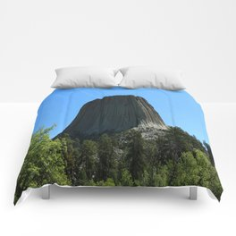 Devils Tower Rising Into The Sky Comforters