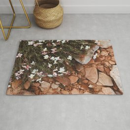 wild flowers in the red sand Rug