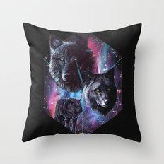 >>WOLF DREAMIN Throw Pillow