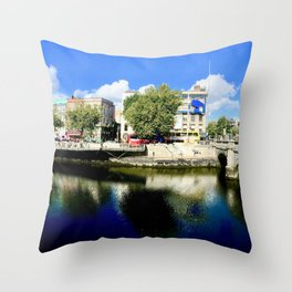 River Liffey, Dublin Pamorimic Throw Pillow