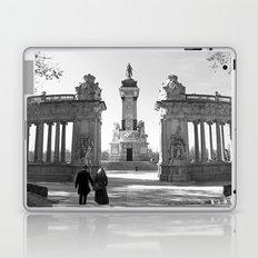 Couple at Madrid monument Laptop & iPad Skin