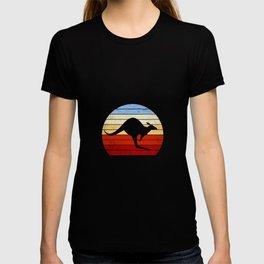 Baby Kangaroo Vintage Backpacker Trip Australia T-shirt