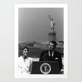 Reagan Speaking Before The Statue Of Liberty Art Print