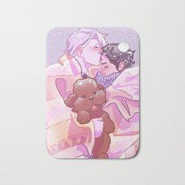 Viktuuri winter hug Bath Mat