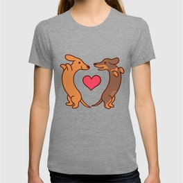 Cute cartoon dachshunds in love T-shirt