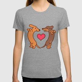 Cute cartoon dachshunds in love T-shirt