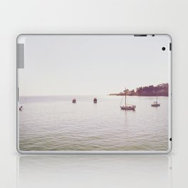B o w t i n g Laptop & iPad Skin